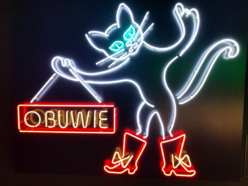 warsaw neon